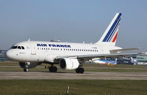 800px-Air_france_a318-100_f-gugb_manchester_arp_photo_Andrian Pingstone